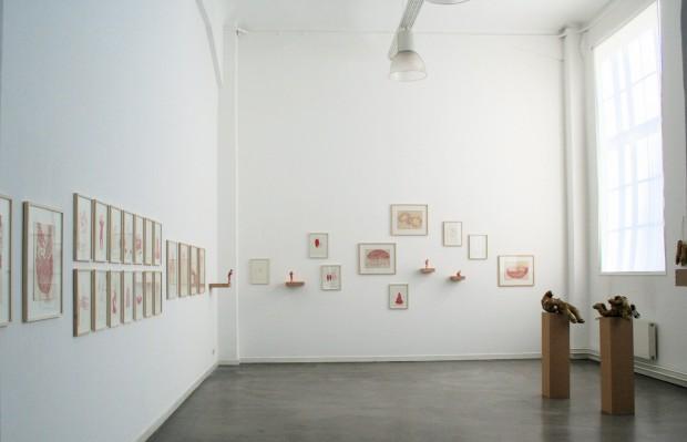 Bea Emsbach, Skulptur und Zeichnung, Gesamtansicht