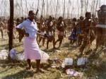 Zwelethu Mthethwa, Maidens 36, 2006, 57x 71 cm, Ed.4+2 EA, , 102 x 127 cm, Ed.2+2 EA, Diasec; gerahmt