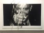 Valentin van der Meulen, Remember, 2016, 220 x 346 cm, Kohle, schwarzer Stein, Radiergummi, Papier auf Holz montiert