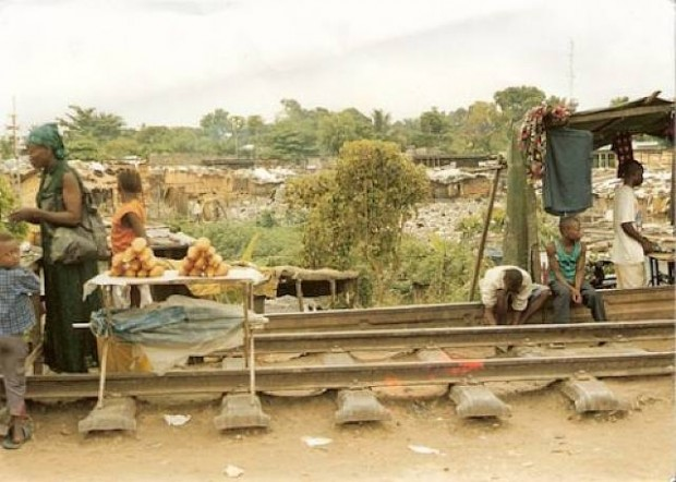 Kokomyin-Mbowango Maboke, Kinshasa, 1989-2001, Dig. C-Print, Aludibond, 60x90 cm
