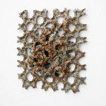 Web IV, 2020, glasierte Keramik, 40 x 40 x 8cm