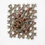 Keiyona C. Stumpf, Web, 2020, glasierte Keramik, 40 x 40 x 8cm