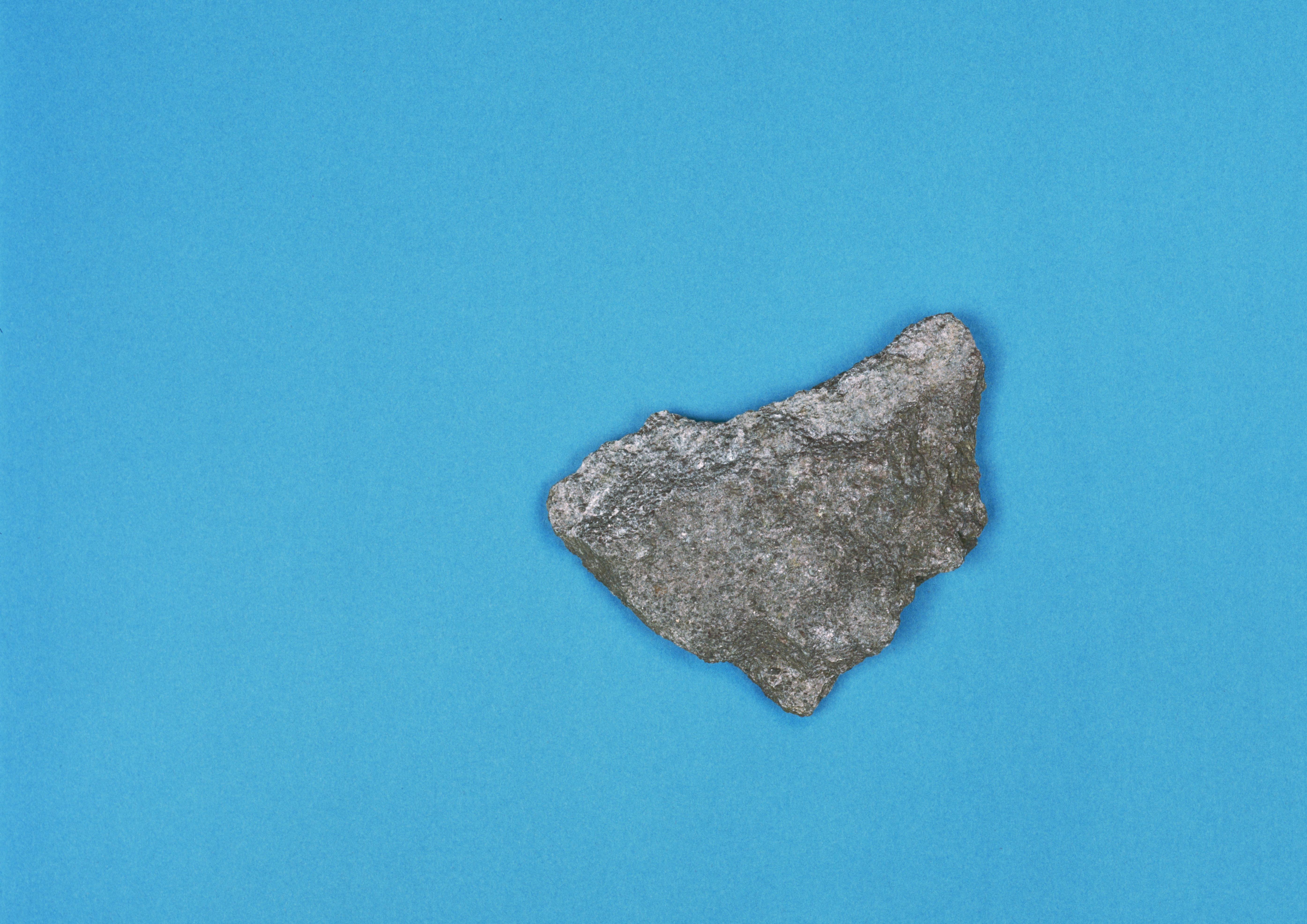 Marcia Breuer, Eine Insel ist immer auch das sie umgebende Meer I – ISOLA (Inselstein), 2020, C-Print, 5+1 AP, 42 x 29,7 cm_300€
